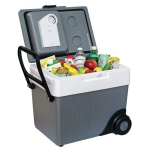Rolling-Wheeled-cooler-from-Koolatron